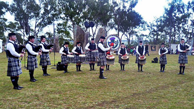 Emmanuel College Pipe Band